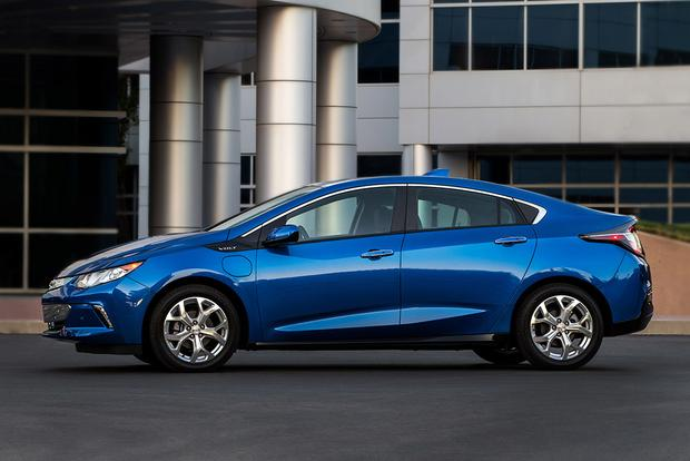 2017 Toyota Prius Prime vs. 2017 Chevrolet Volt: Which Is Better? featured image large thumb4