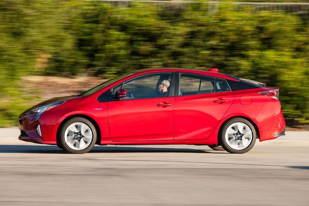 2017 Toyota Prius Prime vs. 2017 Toyota Prius: What's the Difference? featured image large thumb7