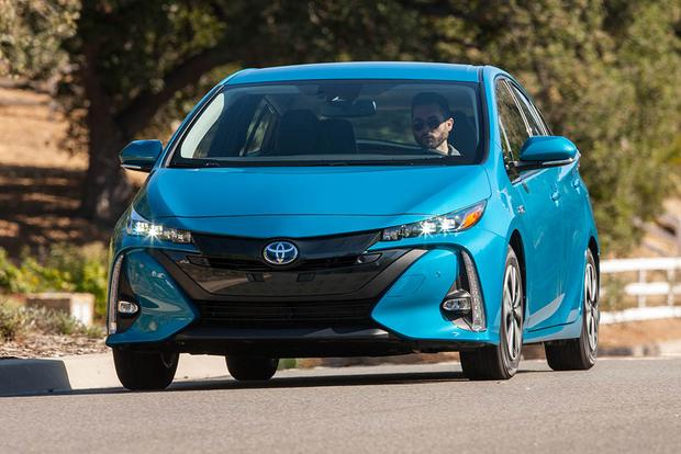 2017 Toyota Prius Prime vs. 2017 Toyota Prius: What's the Difference?