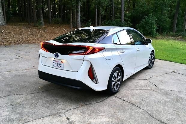 2018 Toyota Prius Prime: Long-Term Introduction featured image large thumb1