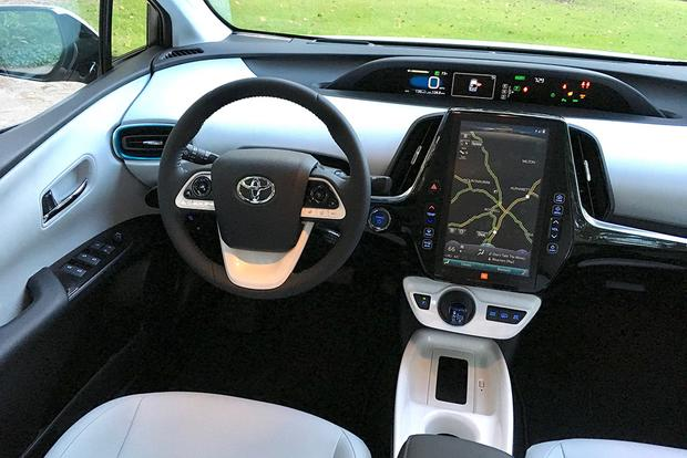 2018 Toyota Prius Prime: Long-Term Introduction featured image large thumb2
