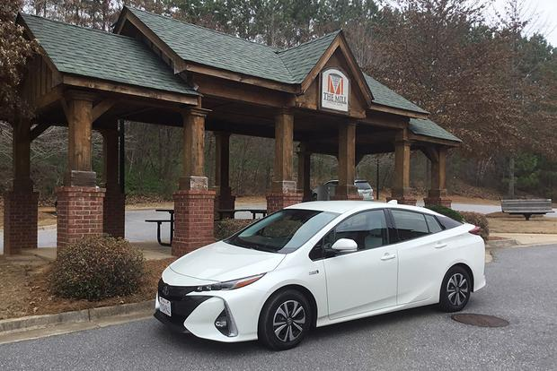 2018 Toyota Prius Prime: On the Road featured image large thumb1