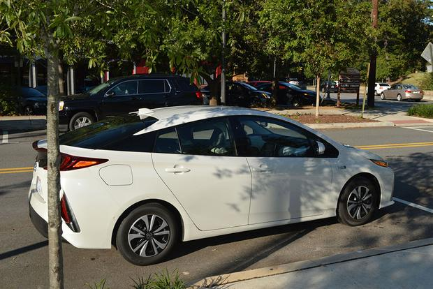2018 Toyota Prius Prime: Zippy Daily Driver featured image large thumb4