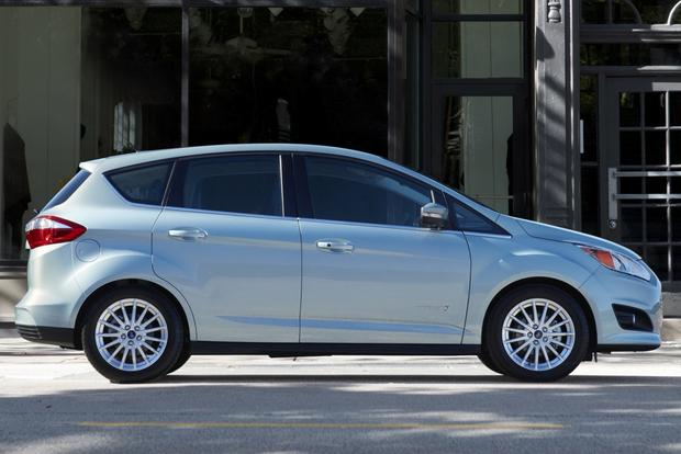 2015 Toyota Prius v vs. 2015 Ford C-MAX: Which is Better? featured image large thumb11