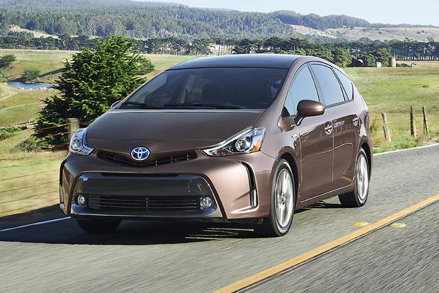 2015 Toyota Prius v: New Car Review featured image large thumb0