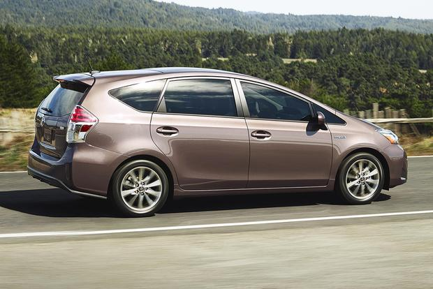 2015 Toyota Prius v: New Car Review featured image large thumb3