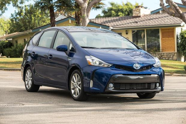 2017 Toyota Prius V New Car Review Featured Image Large Thumb6