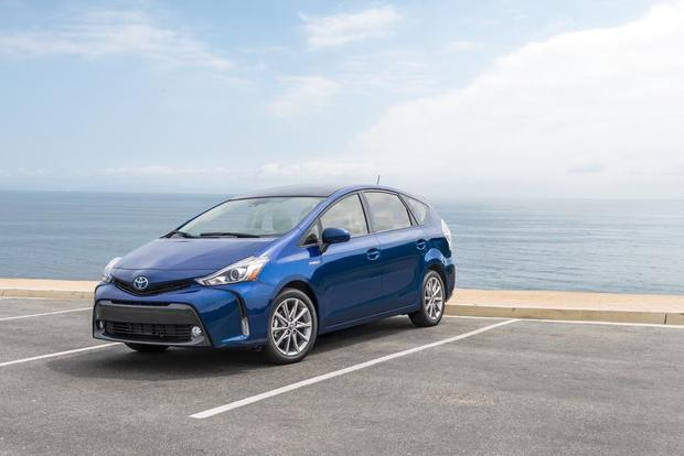 2017 Toyota Prius v: New Car Review