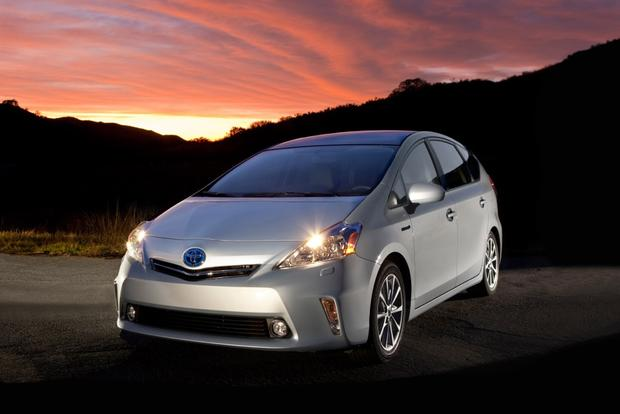 2014 Toyota Prius v: New Car Review featured image large thumb1