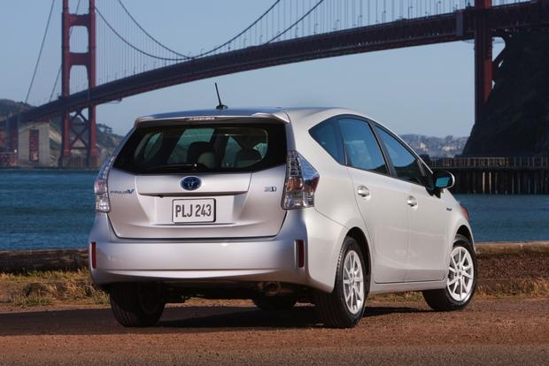 2014 Toyota Prius v: New Car Review featured image large thumb0