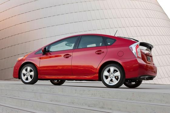 2013 Toyota Prius Plug-in Hybrid: New Car Review featured image large thumb1