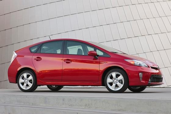 2013 Toyota Prius Plug-in Hybrid: New Car Review featured image large thumb10