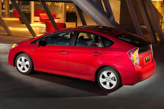 2013 Toyota Prius Plug-in Hybrid: New Car Review featured image large thumb13