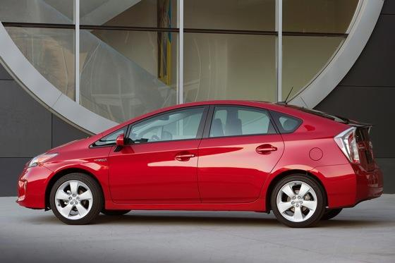 2012 Toyota Prius: New Car Review featured image large thumb3