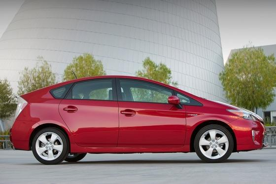 2012 Toyota Prius: New Car Review featured image large thumb5