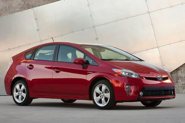 Toyota Prius Vs C V What S The Difference Featured