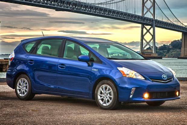 Toyota Prius vs. Prius c vs. Prius v: What's the Difference? featured image large thumb1