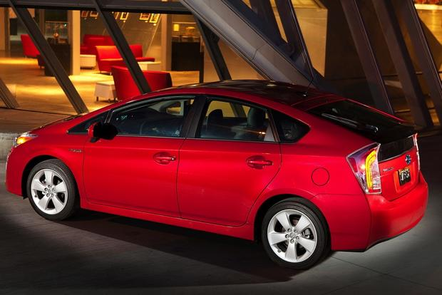 Toyota Prius vs. Prius c vs. Prius v: What's the Difference? featured image large thumb6