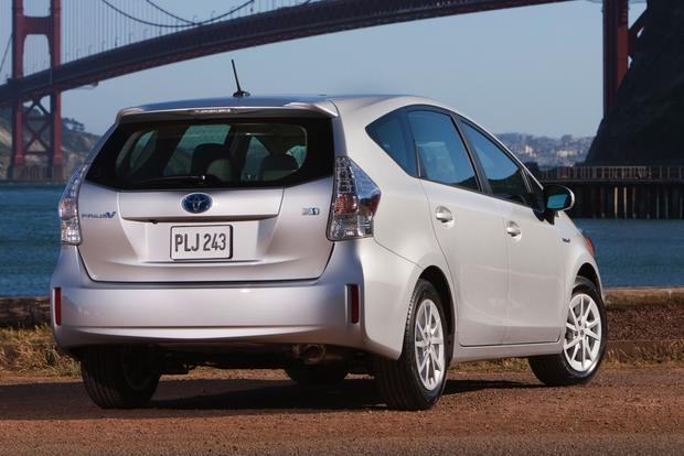 Toyota Prius vs. Prius c vs. Prius v: What's the Difference? featured image large thumb7