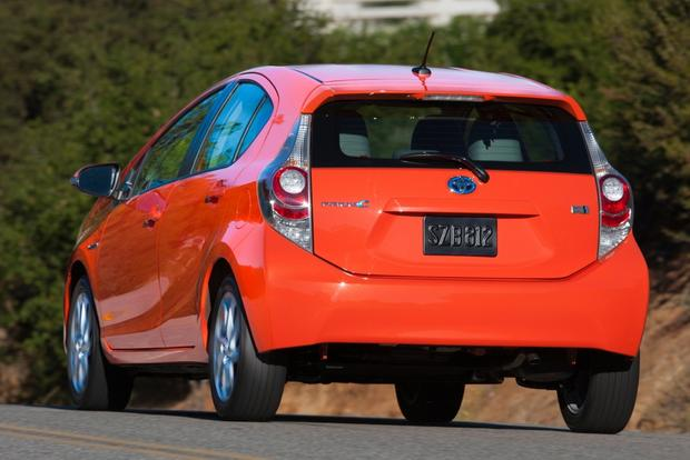Toyota Prius vs. Prius c vs. Prius v: What's the Difference? featured image large thumb9