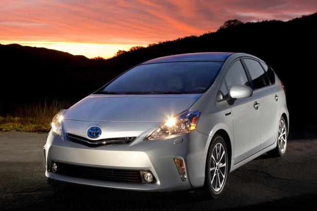 Toyota Prius vs. Prius c vs. Prius v: What's the Difference? featured image large thumb10