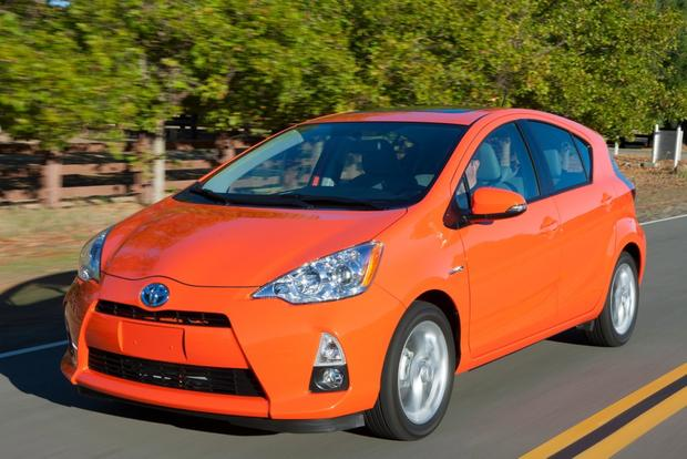 Toyota Prius vs. Prius c vs. Prius v: What's the Difference? featured image large thumb11