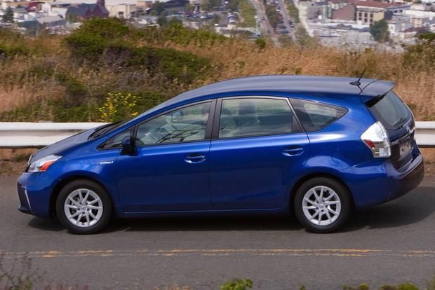 Toyota Prius vs. Prius c vs. Prius v: What's the Difference? featured image large thumb16