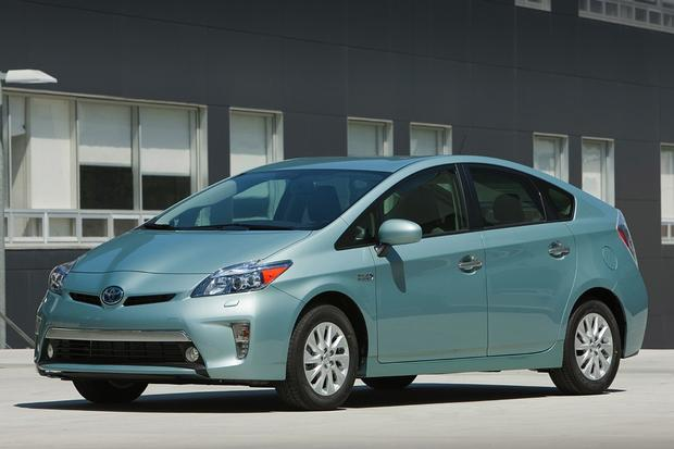 2015 Toyota Prius Plug-In Hybrid: New Car Review featured image large thumb4