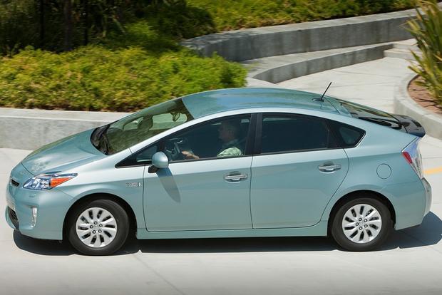 2015 nissan leaf new car review autotrader autos post. Black Bedroom Furniture Sets. Home Design Ideas
