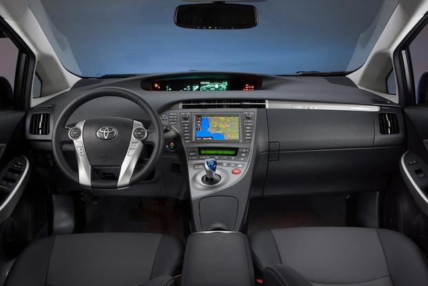 2015 Toyota Prius Plug-In Hybrid: New Car Review featured image large thumb7