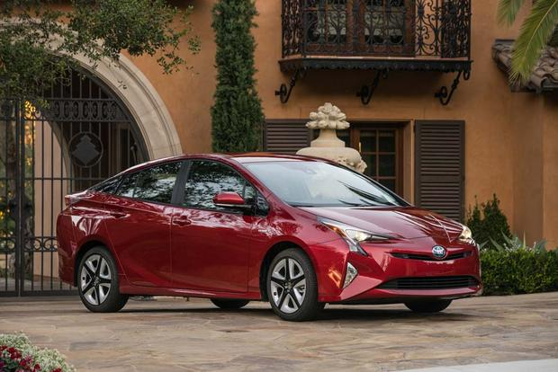 2016 Toyota Prius: New Car Review