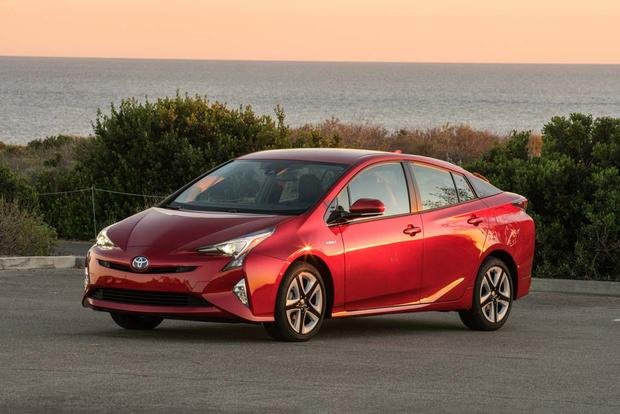 2016 Toyota Prius: New Car Review featured image large thumb1