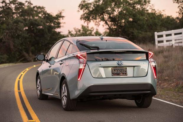 2016 Toyota Prius: First Drive Review featured image large thumb3