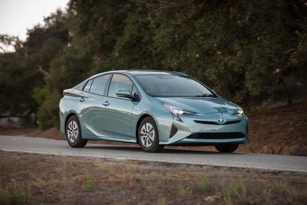 2016 Toyota Prius: First Drive Review featured image large thumb5