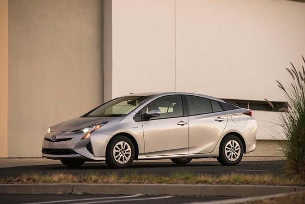 2016 Toyota Prius: First Drive Review