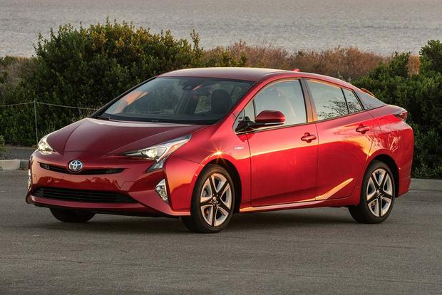 2016 Toyota Prius vs. 2016 Ford C-MAX: Which Is Better? featured image large thumb11