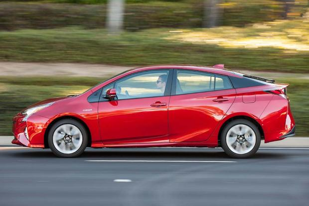 2016 Toyota Prius vs. 2016 Ford C-MAX: Which Is Better? featured image large thumb5