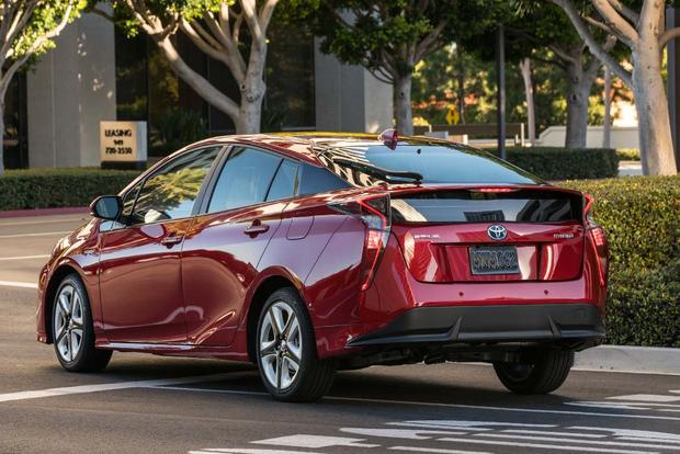 2016 Toyota Prius vs. 2016 Ford C-MAX: Which Is Better? featured image large thumb9
