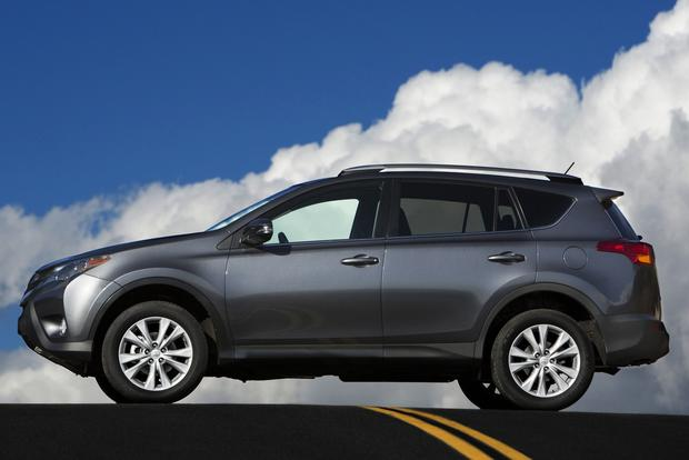 2013 Toyota RAV4: New vs. Old featured image large thumb2