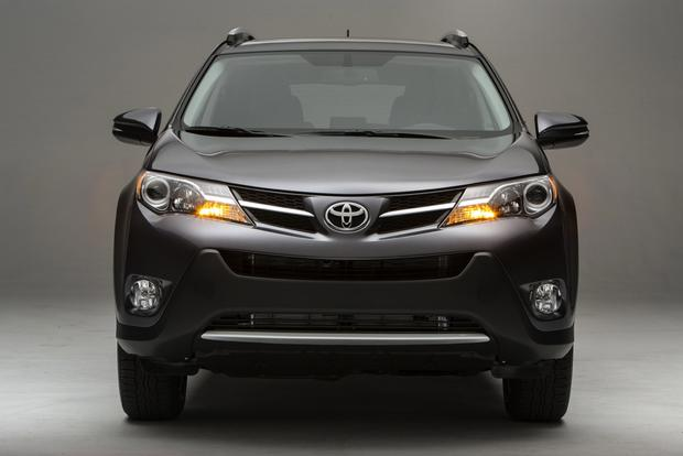 2013 Toyota RAV4: New vs. Old featured image large thumb4