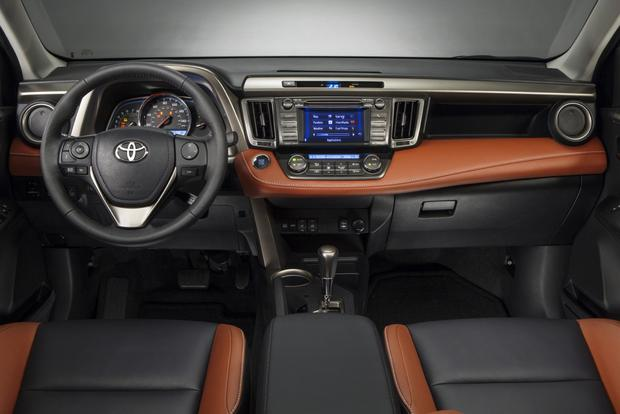 2013 Toyota RAV4: New vs. Old featured image large thumb7