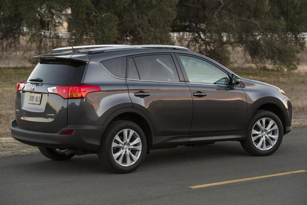 2013 Toyota RAV4: New vs. Old featured image large thumb8