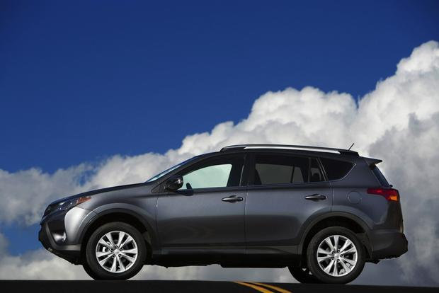 2013 Toyota RAV4: New Car Review featured image large thumb2