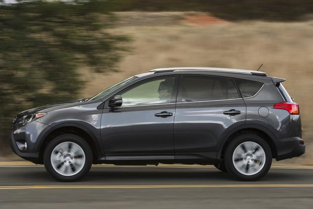 2013 Toyota RAV4: New Car Review featured image large thumb7
