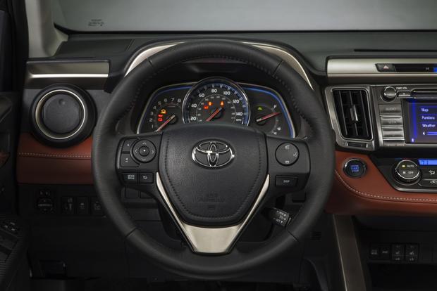 2013 Toyota RAV4: New Car Review featured image large thumb9
