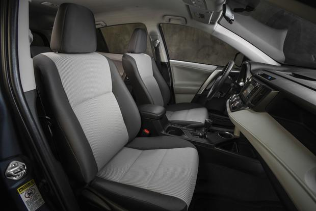 2013 Toyota RAV4: New Car Review featured image large thumb13