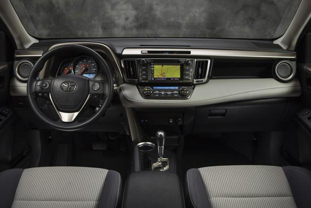 2013 Toyota RAV4: New Car Review featured image large thumb14