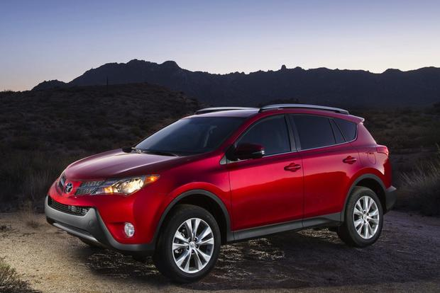 2013 Toyota RAV4 Limited: 5 Reasons to Buy featured image large thumb2