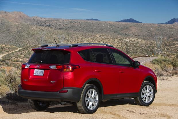 2013 Toyota RAV4 Limited: 5 Reasons to Buy featured image large thumb3