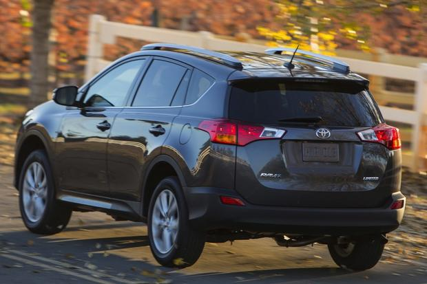 2014 Nissan Rogue vs. 2014 Toyota RAV4: Which Is Better? featured image large thumb4